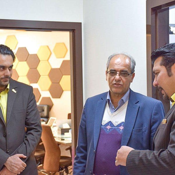 بازدید ریاست حوزه 3 بانک صادرات مشهد با هیئت همراه از پتانسیل های گروه نرم افزاری محک