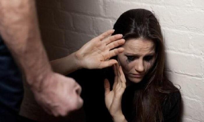 روز جهانی مبارزه با خشونت علیه زنان ن