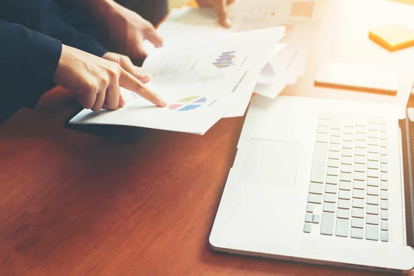 استانداردهای حسابداری بر مبنای اجرای آنها