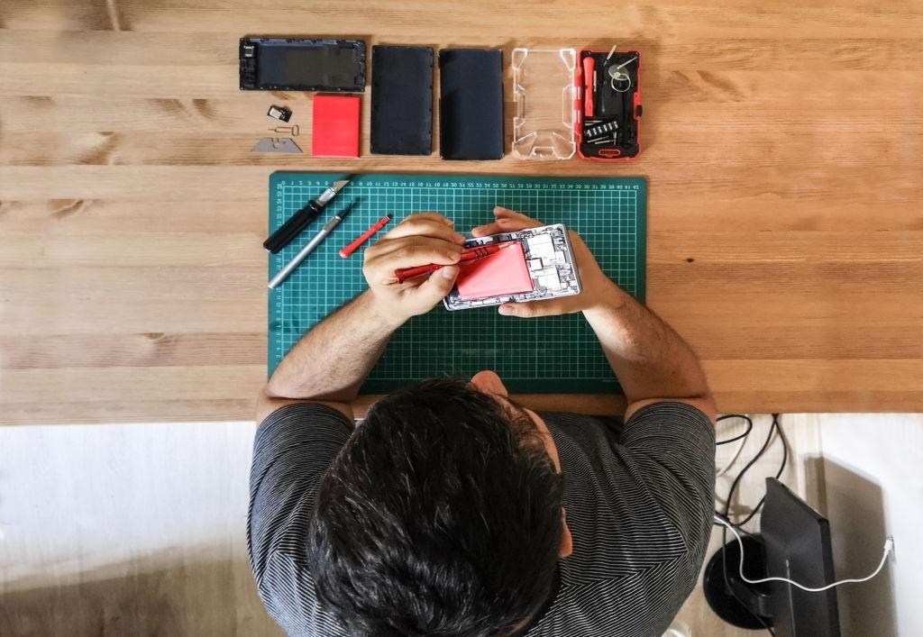 مغازه تعمیرات موبایل 1