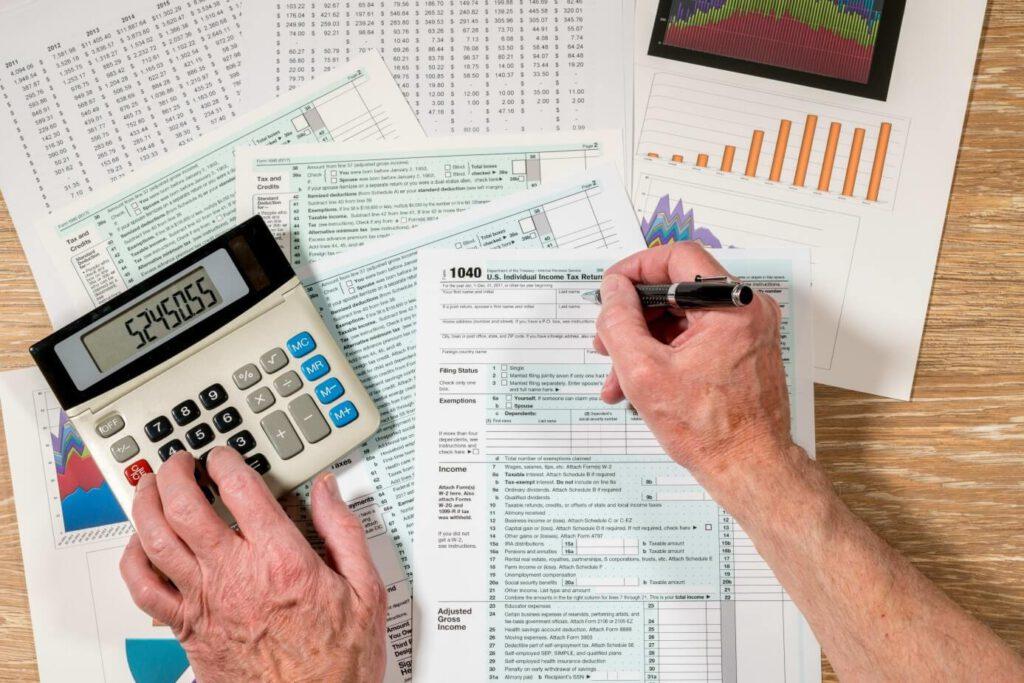 آیا مالیات حقوق شامل تمام شاغلین میشود؟