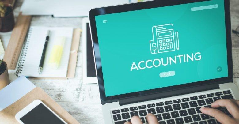 از فناوری و نرمافزارهای حسابداری استفاده کنید