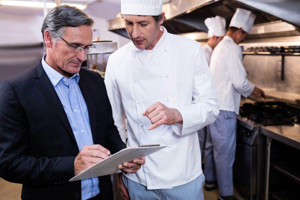 کارکنان رستوران آموزش دهید