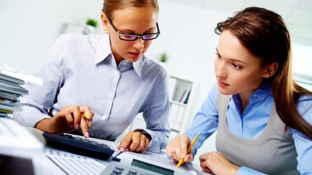 در دوره های حسابداری با گواهینامه های معتبر شرکت کنید.